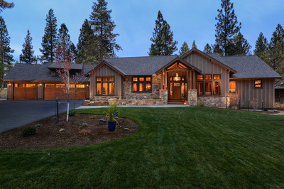 Custom home build in Sisters, Oregon at Aspen Lakes Golf Course Community. Built by Structure Development NW an award winning home builder in Central Oregon.